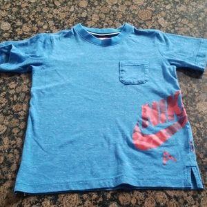 4/$25 Like new Nike boys S shirt